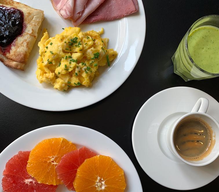 Saga Hotel breakfast